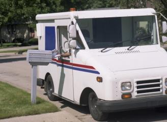 Mail Lady Accepted Bribes for Delivering Drugs
