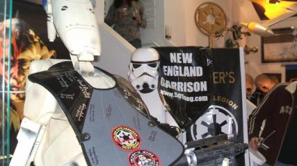 $200k in Star Wars Toys Stolen frome California Museum
